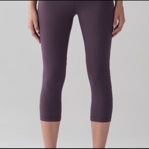 LuLulemon Wunder Under crop (high rise)